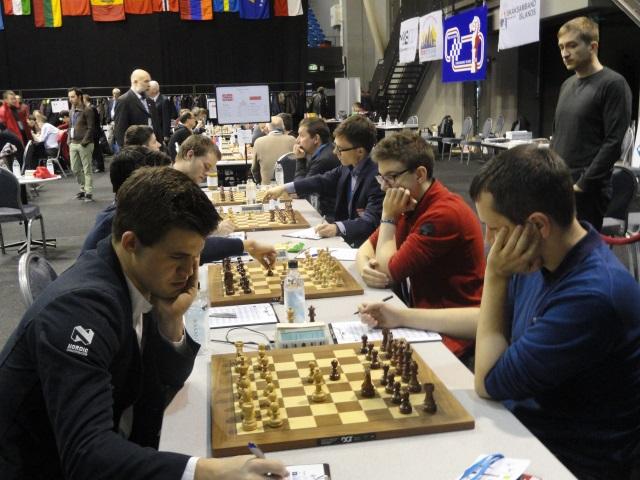 Radosław Wojtaszek tym razem nie sprostał Magnusowi Carlsenowi (fot. Agnieszka Fornal-Urban).