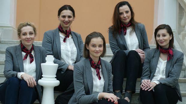 Polska drużyna kobieca w składzie (od lewej): Monika Soćko, Iweta Rajlich, Karina Szczepkowska-Horowska, Jolanta Zawadzka i Joanna Majdan-Gajewska. Trenerem zespołu jest Marek Matlak.